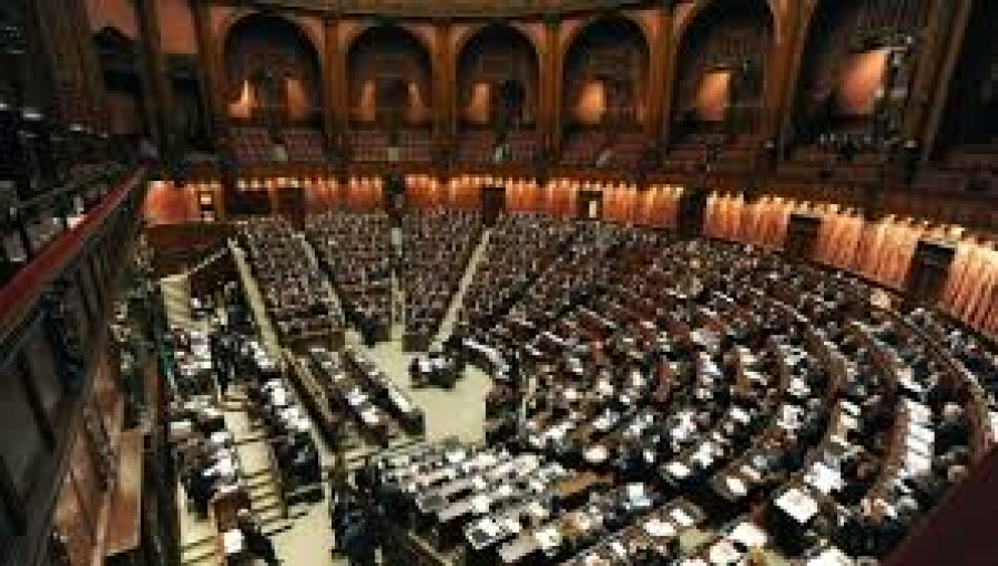 Luned 600 sindaci 39 occuperanno 39 la camera dei deputati for Rassegna stampa camera deputati